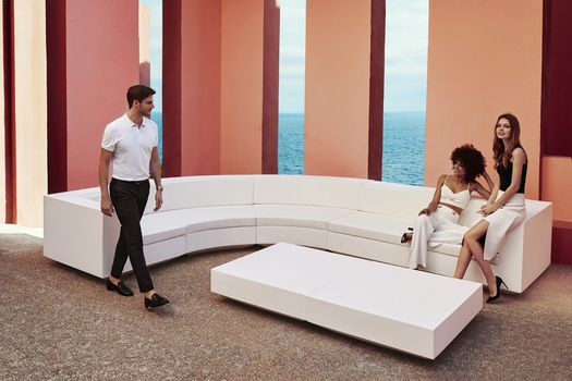 Vela outdoor collection: pure geometries, sleek lines