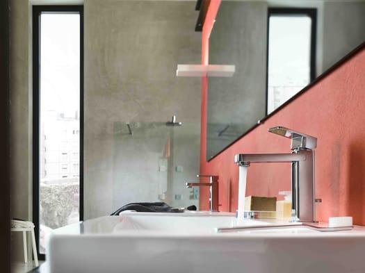 Geometrie pure e minimal in bagno