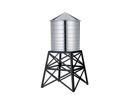 Una microarchitettura da tavola ispirata alle 'water tank' americane