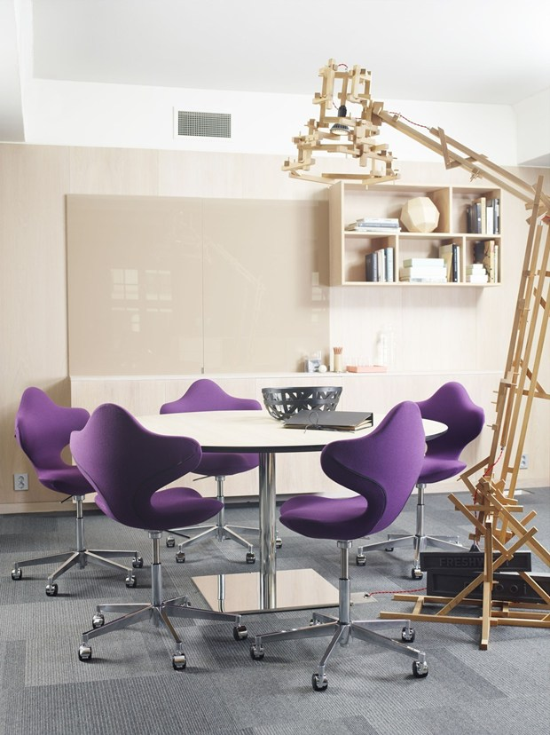 Varier Active chair by Varier receives award for Design Excellence