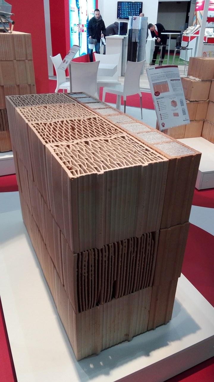 Porotherm BIO PLAN 30 t - 0,09, a novità Wienerberger a MADE expo 2017