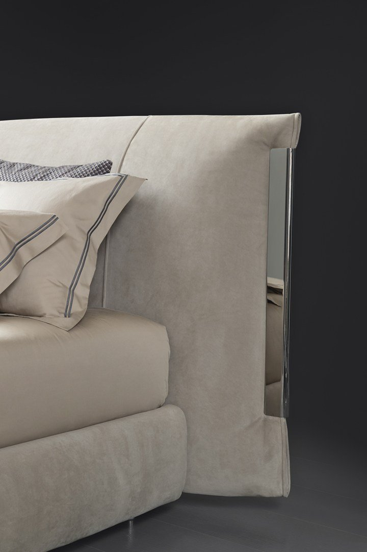 New flou collections for bedroom and living areas for Occasioni letti flou