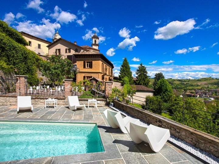 oluce for villa del borgo relais in canelliForVilla Del Borgo Canelli