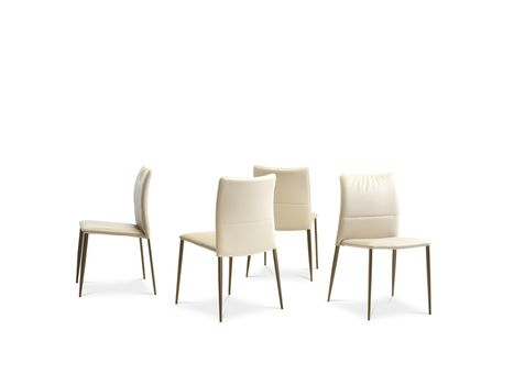The striking elegant chair with a clear Italian DNA