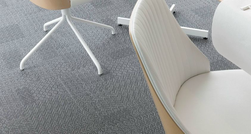 Lustre, the many facets of woven vinyl flooring