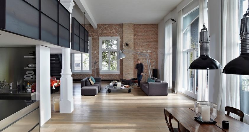 An industrial loft on the famous Dutch canals