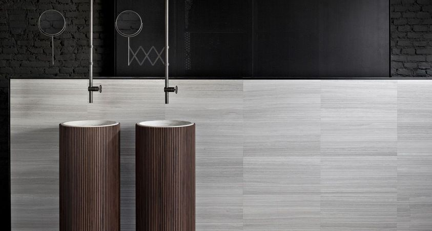 Marble and wood. Homage to the '50s and '60s