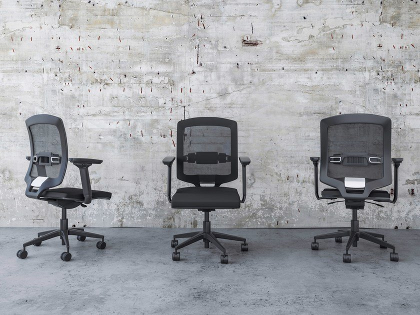 Ergonomic task chair with 5-Spoke base with casters ÉQUILIBRE - Buronomic