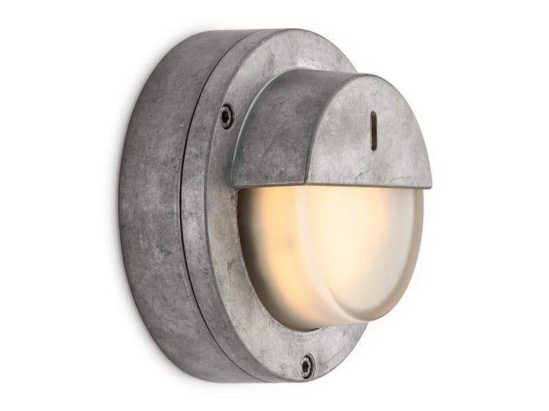 Glass and aluminium wall lamp 100630 | Flat light aluminum, half shade - THPG