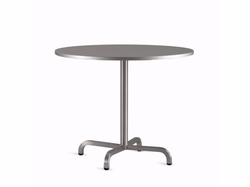 Round aluminium table 20-06™ | Table - Emeco