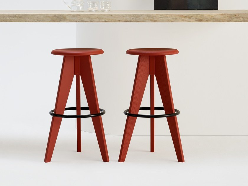 High solid wood stool 2500 by SIPA