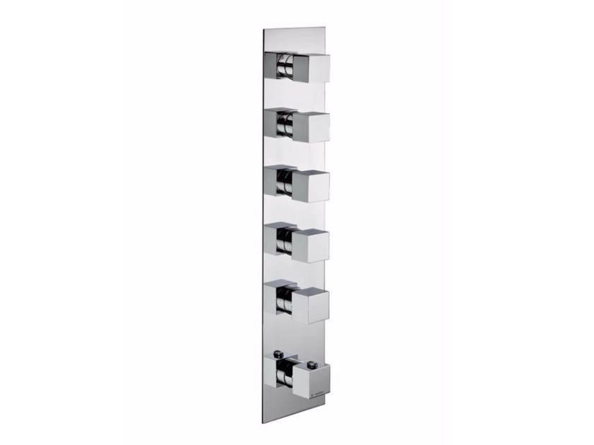 Thermostatic shower mixer with plate Thermostatic shower mixer by NEWFORM