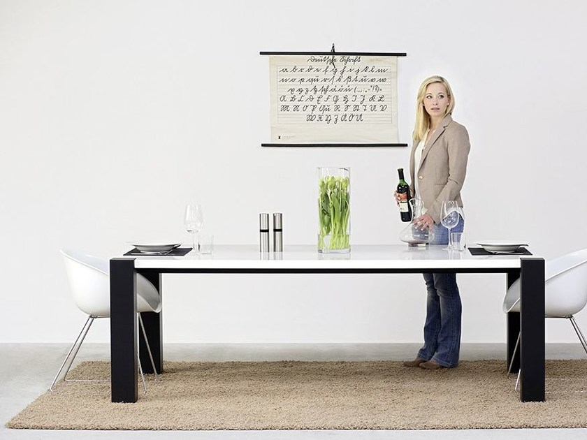 Rectangular wooden dining table 608 | Dining table by Wissmann raumobjekte