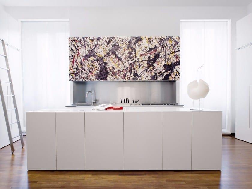 Custom kitchen with island Wooden kitchen by TM Italia Cucine