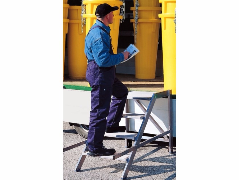 Portable platform stepladder 7060 - 7080 - Frigerio Carpenterie