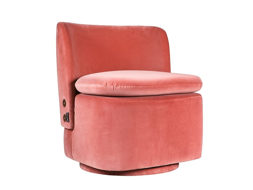 Upholstered fabric armchair ADRAGA by Branco sobre Branco