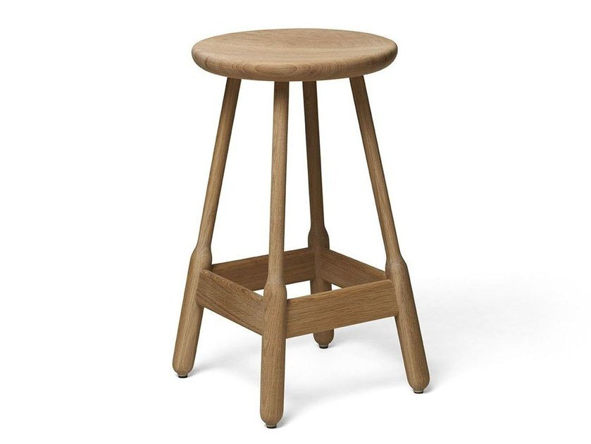 High stool in solid wood ALBERT | Barstool by Massproductions