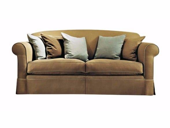 Divano in tessuto a 2 posti alfonso divano softhouse for Poltrone e sofa perignano