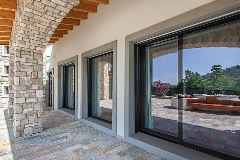 Finestra in legno e vetro allegri italserramenti - Porte finestre legno ...