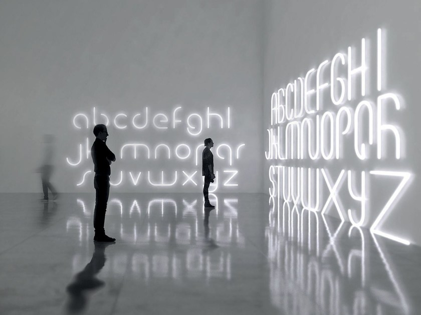 Lettera luminosa a LED da parete ALPHABET OF LIGHT - Artemide Italia