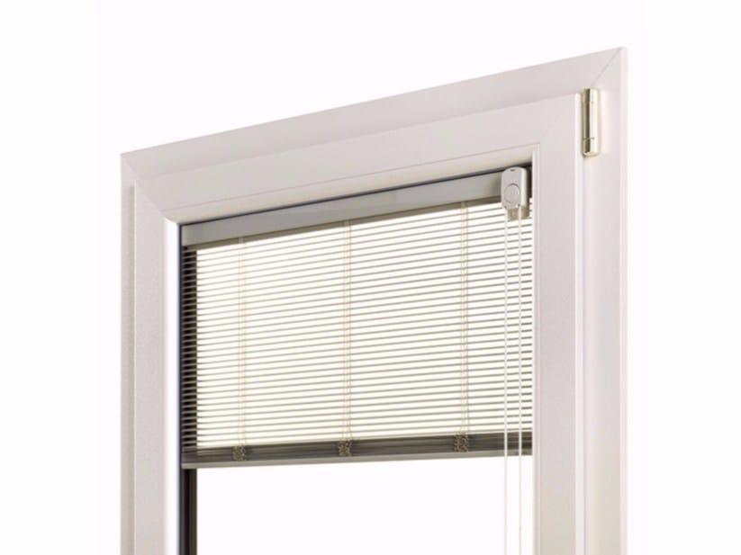 Finestra ad anta ribalta con doppio vetro in pvc con veneziana integrata alutek by fossati pvc - Finestre a doppio vetro ...