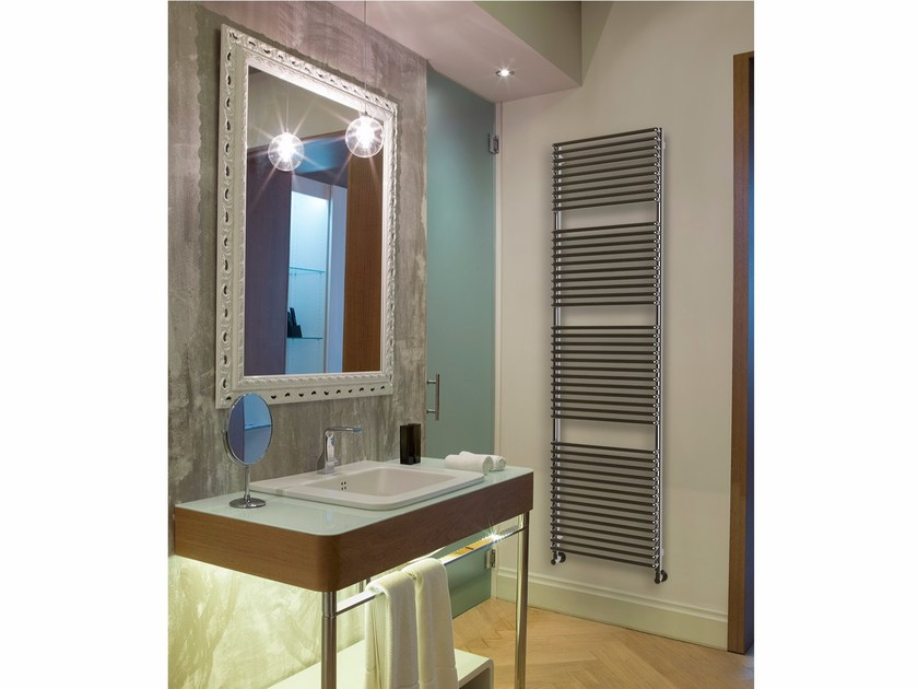 Steel towel warmer AMALFI by K8 Radiatori
