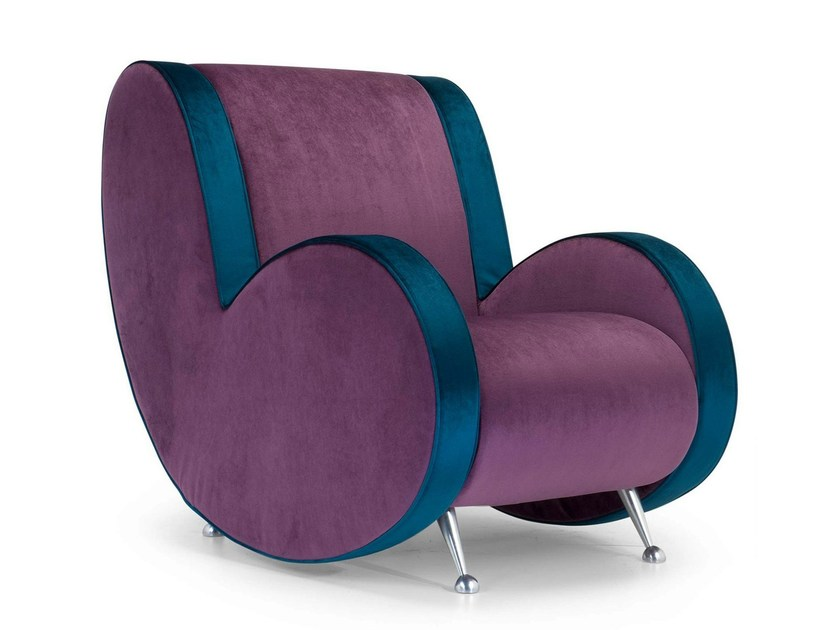 Upholstered armchair with armrests ATA | Armchair - Adrenalina
