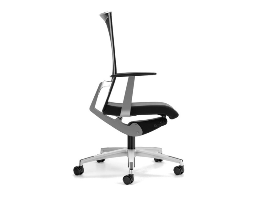 Mesh task chair with 5-Spoke base with armrests with casters AVIANET 3612 - TALIN