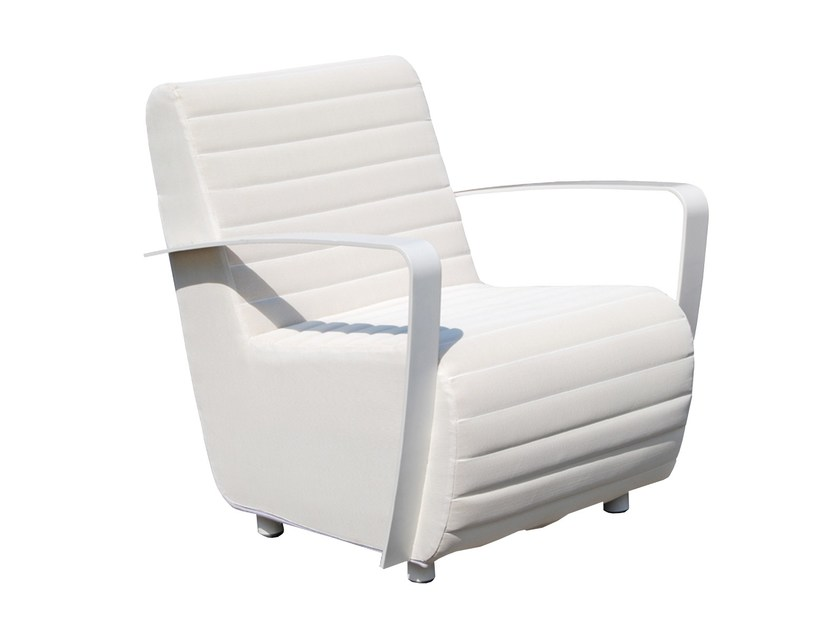Guest chair with armrests AXIS 22971 by SKYLINE design