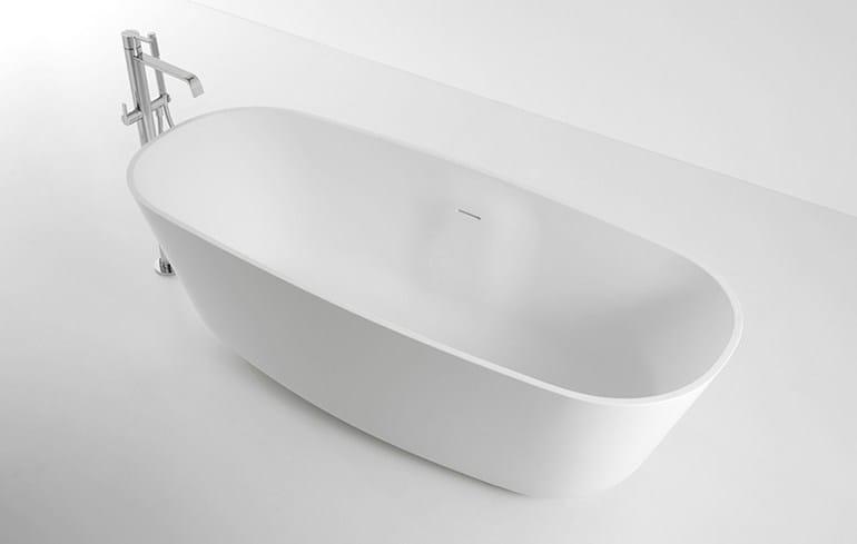 Vasca da bagno ovale in cristalplant ba a small antonio for 3 4 layout del bagno