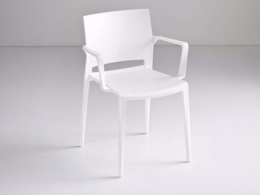Stackable chair with armrests BAKHITA | Chair with armrests by GABER
