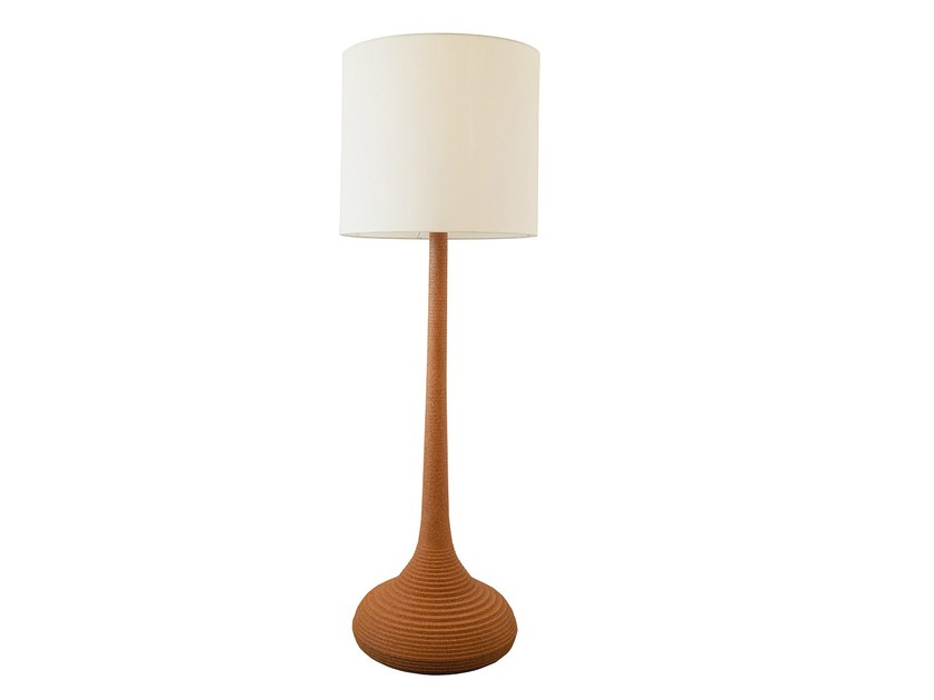 Cork floor lamp BALEIA | Cork floor lamp by Branco sobre Branco