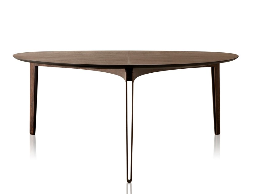 Round MDF dining table BANK | Dining table by Sollos