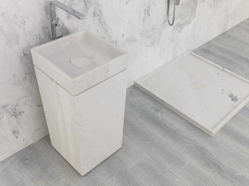Freestanding square natural stone washbasin BASIC | Freestanding washbasin by L'antic Colonial