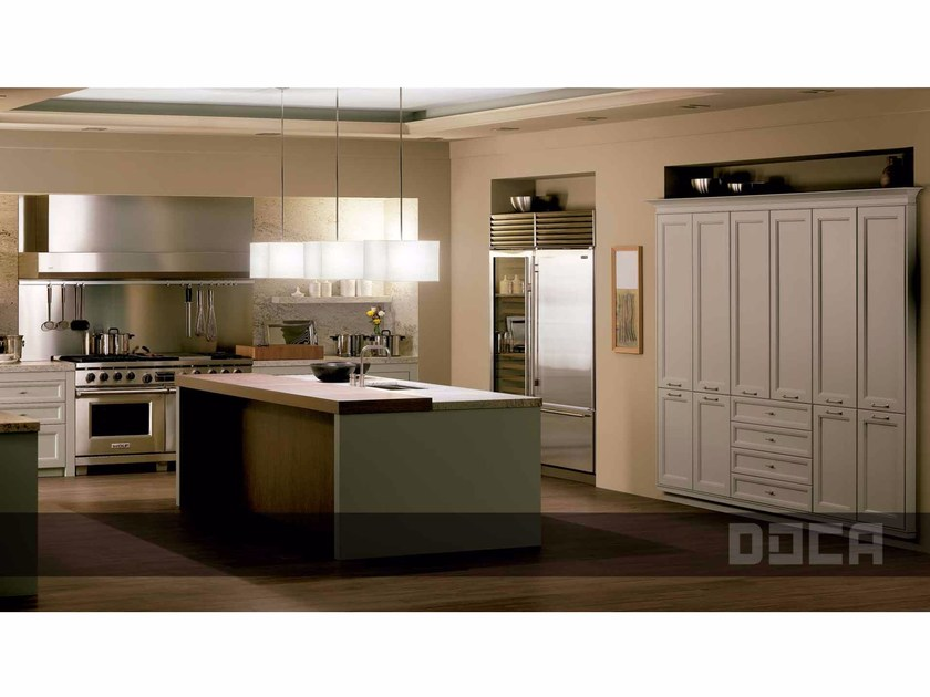 Classic style kitchen with island biarritz gris lavanda by for Muebles de cocina doca