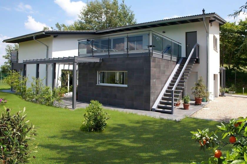 Casa prefabbricata in legno bifamiliare spazio positivo for Casa di vetro contemporanea
