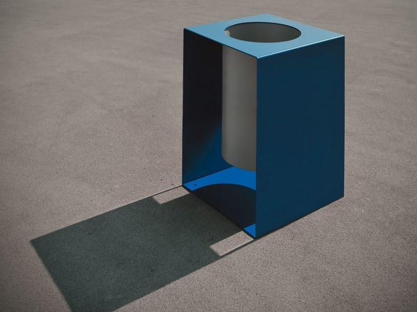 Outdoor galvanized steel waste bin BOCU | Waste bin by LAB23 Gibillero Design