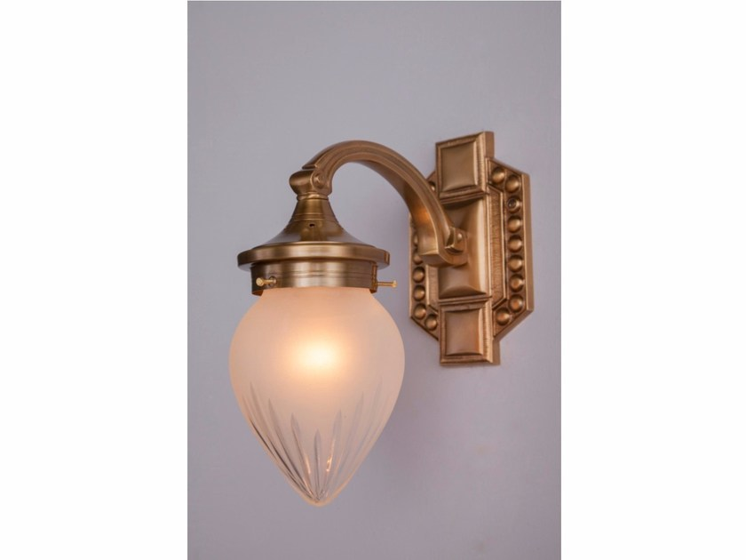 Brass wall lamp BRATISLAVA I | Wall lamp - Patinas Lighting