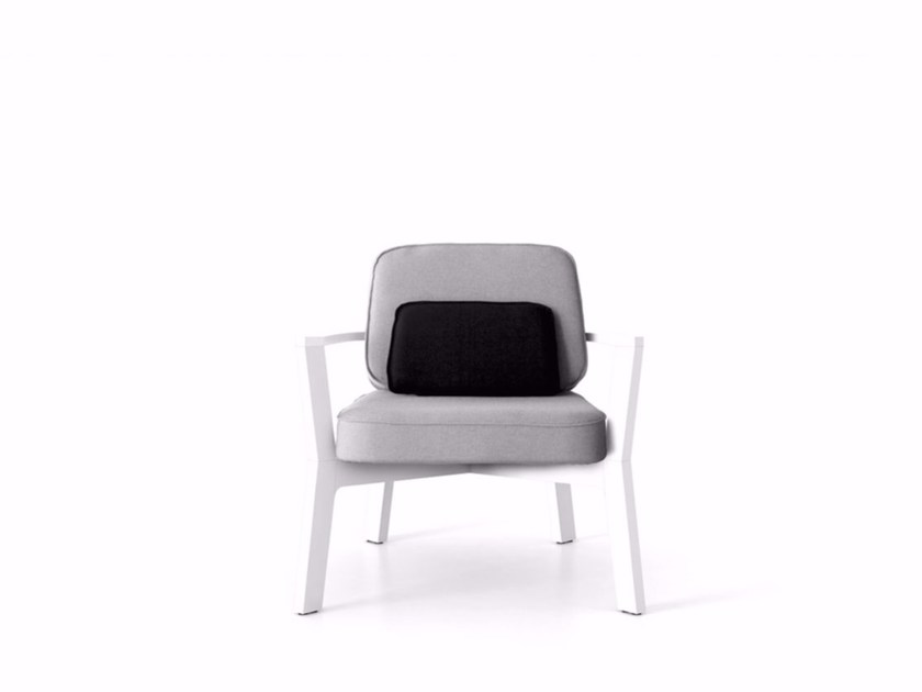 Armchair BREDA | Armchair with armrests by Punt