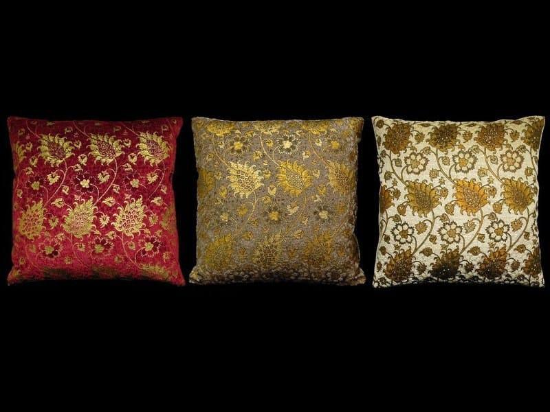 Square velvet cushion BUCINTORO | Square cushion - Venetia Studium