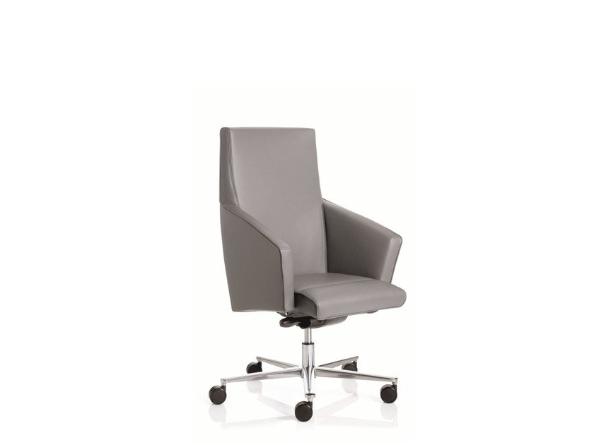 Low back executive chair with 5-spoke base with armrests BUSINESS CLASS | Low back executive chair - Emmegi