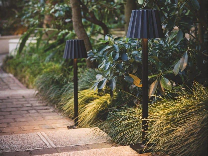 LED aluminium Floor lamp BUTLER P by Delta Light
