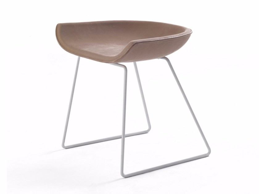 Sled base leather stool BUTTERFLY - Riva 1920