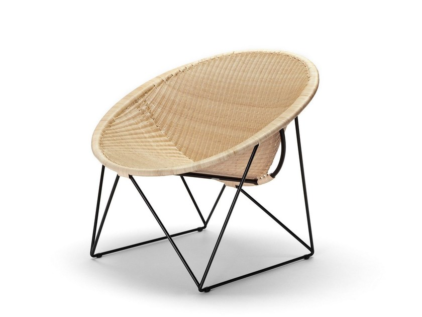 Sled base rattan easy chair C317 - Feelgood Designs