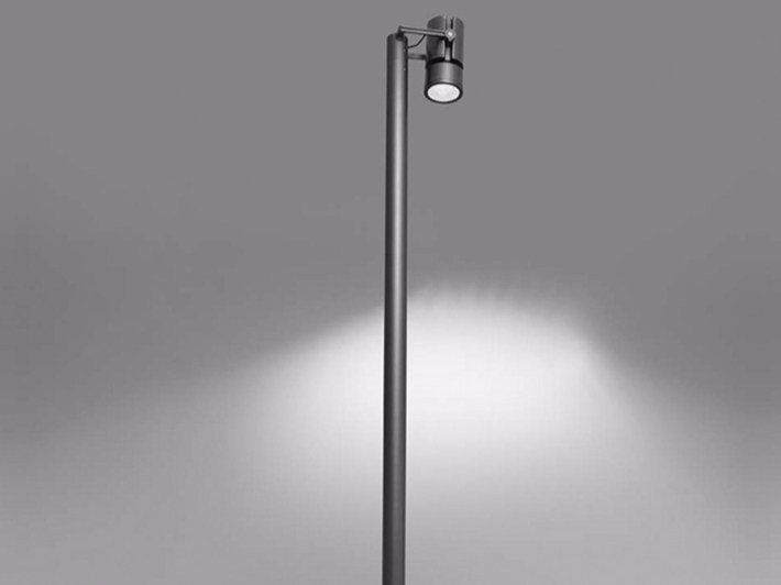 Contemporary style LED aluminium garden lamp post CARIDDI | Garden lamp post by Artemide
