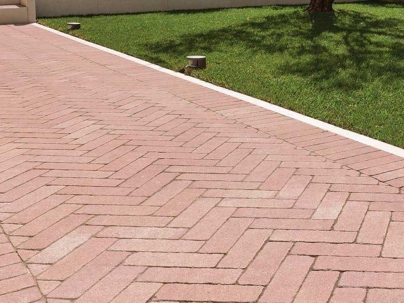 Massello autobloccante castelvecchio ferrari bk - Pavimentazione da esterno ...