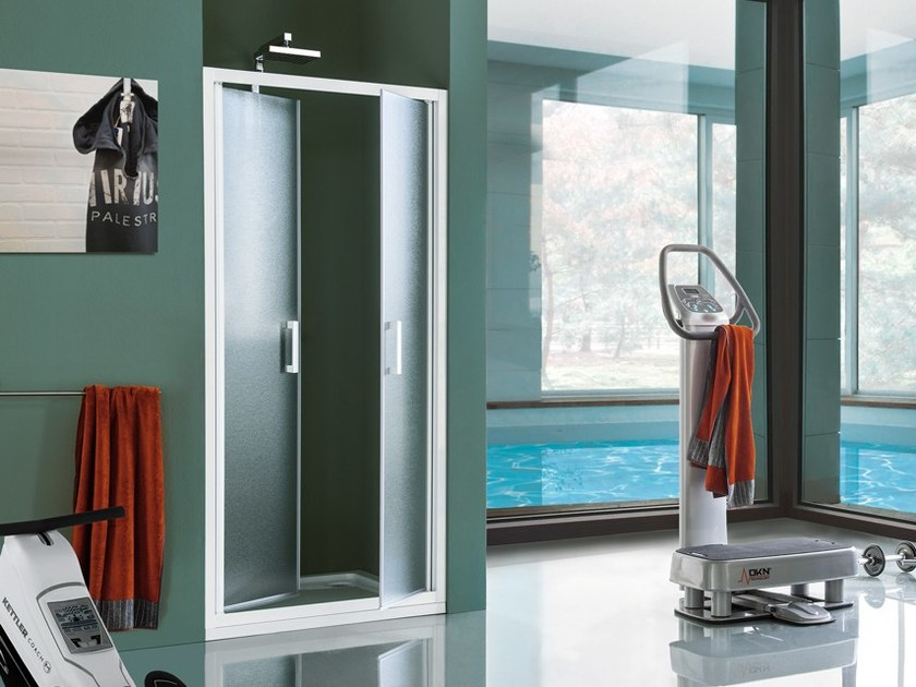 Niche tempered glass shower cabin with pivot door CEE ART | Shower cabin with pivot door by Samo