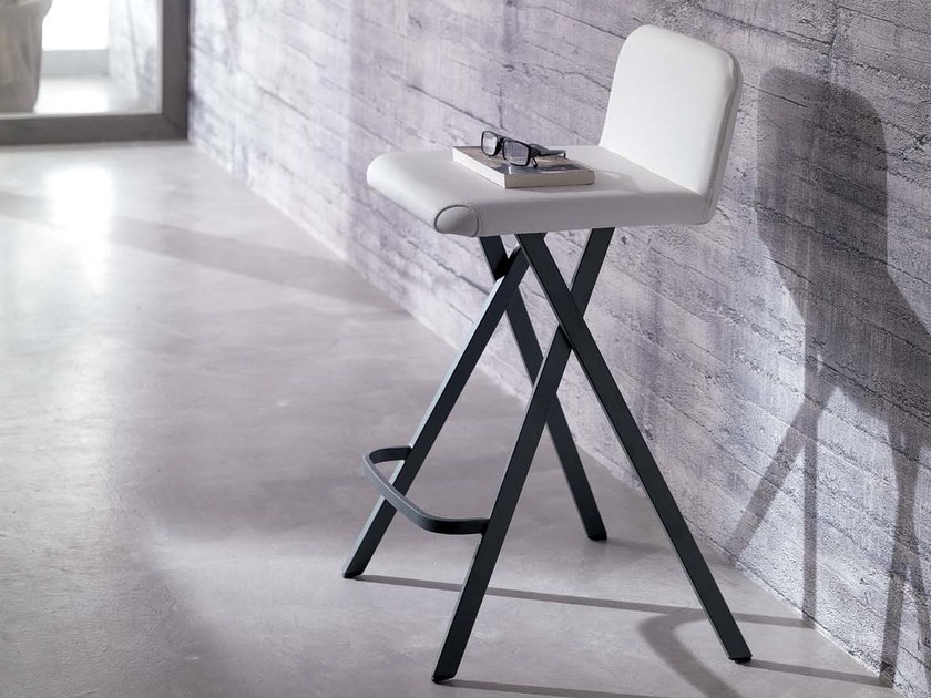 Upholstered leather counter stool with footrest CHARLIE - Ozzio Italia