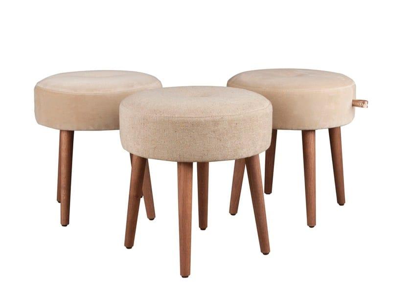 Low fabric stool CIPREIA by Branco sobre Branco
