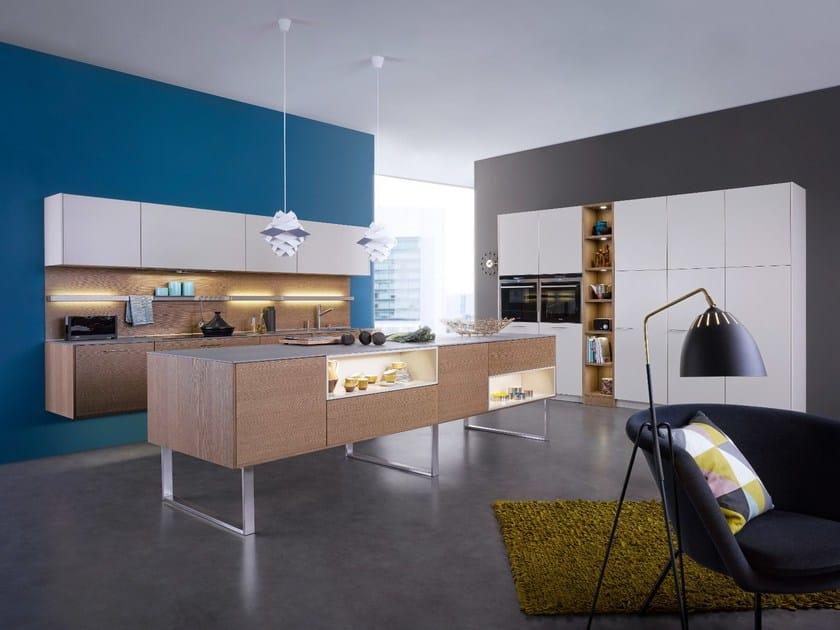 Kitchen with island CLASSIC-FS   TOPOS - LEICHT Küchen